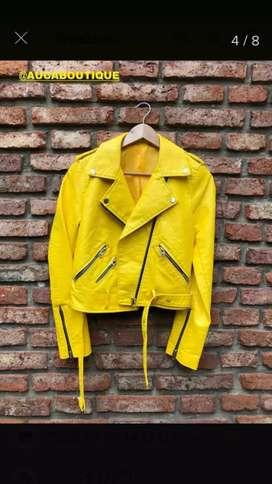 Campera hermosa amarilla mujer talle 5