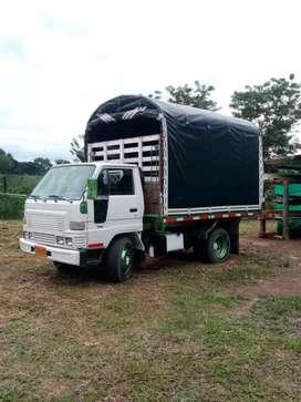 Se ofrece para mudanzas camion turbo o camioneta a cualquier lugar del pais