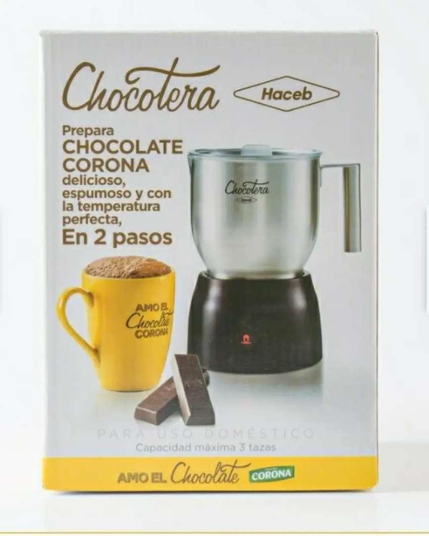 Chocotera eléctrica Haceb - Corona, acero inoxidable NUEVA. 0