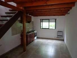 77e/12y13 La Plata ..1° por escalera duplex un dormitorio sin expensas