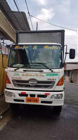 Camión HINO GD