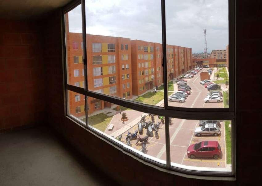 Apartamento Mosquera obra gris - Excelente ubicación detrás de la biblioteca 0