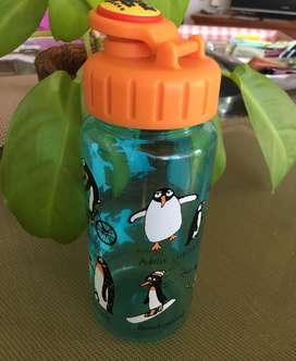 Botella Pingüinos importada Tyrrell Katz London para Bebidas
