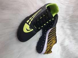 Zapatillas de futbol para niños y caballeros todas las tallas