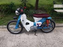 C70 personalizada motor 100 cc