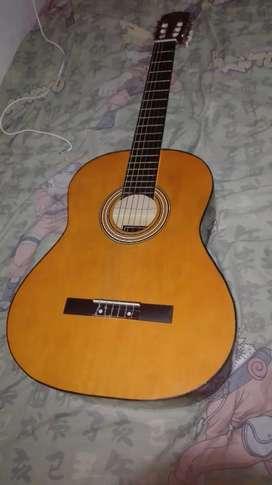 Vendo guitarra ROMULO GARCIA