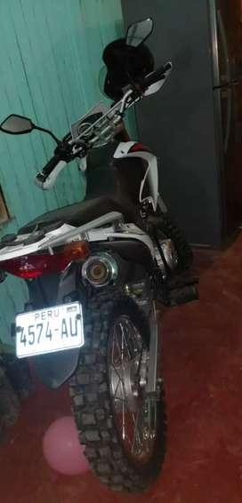 Vendo moto lifan 250 seminueva