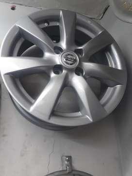 Rines 15 de Nissan