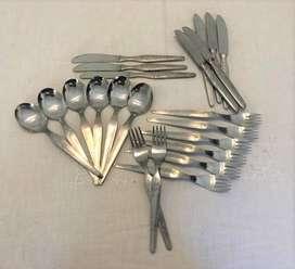 Set de cubiertos de acero inoxidable antiguos (22 piezas)