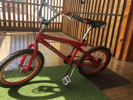 Bicicleta  aluminio tipo BMX