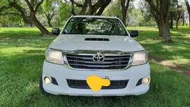 Vendo Toyota Hilux DX Pack 4x4 2015