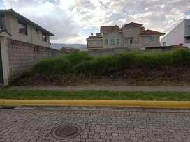 Terreno de 303 m2 de Venta en Sangolqui. Valle de los Chillos San Pedro de Taboada