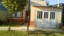 Alquilo casa a 4 cuadras costanera