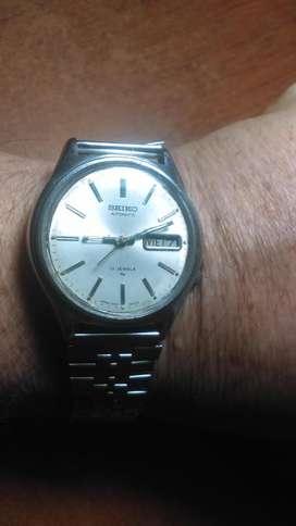 vendo o cambio permuto reloj SEIKO ., automático .,