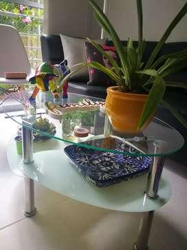 Vendo mesa de centro de sala vidrio y estructura metálica