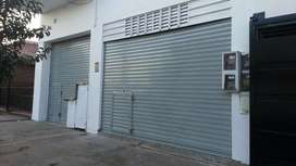 LOCAL - LA PLATA - LOS HORNOS - 140 Y 56 - Frente Colegio San Benjamín - PARTICULAR
