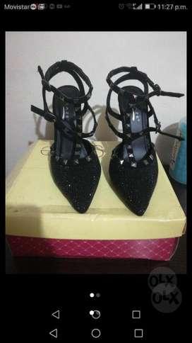 Zapato Elegante en Punta T 36