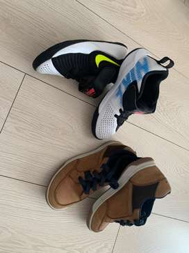 2 pares de zapatos niño usados