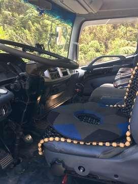 Vendo camio fd re parado ase un mes atoda prueva motor caja y corona