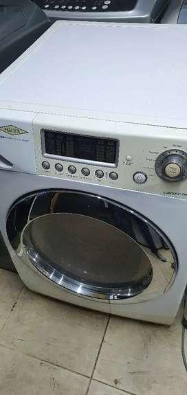 Vendo lavadora con secadora haceb de 26 libras