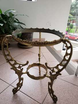 Porta macetero de bronce labrado