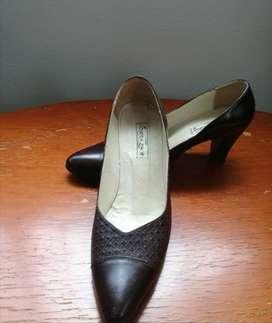 Zapatos de tacón café