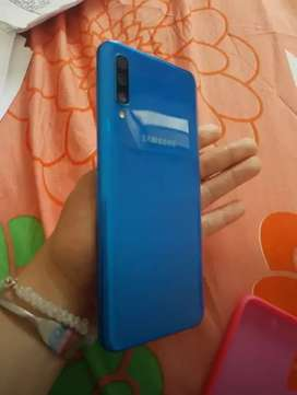 Samsung Galaxy A50 azul/$ 600.000/ Domicilio incluido.