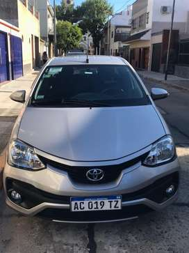 Vendo Toyota Etios 1.5 2017