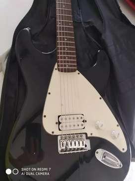Guitarra electrica marca firstact 6 cuerdas