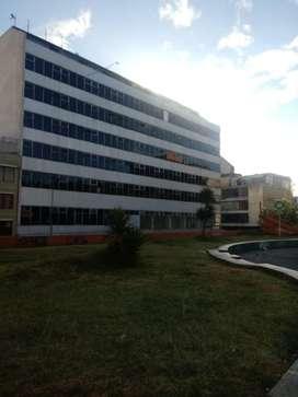 Venta de edificio de 9 pisos y 38 oficinas sector IESS.