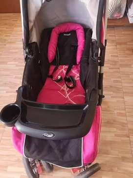 Vendo coche de BB Infanti en perfecto estado muy práctico