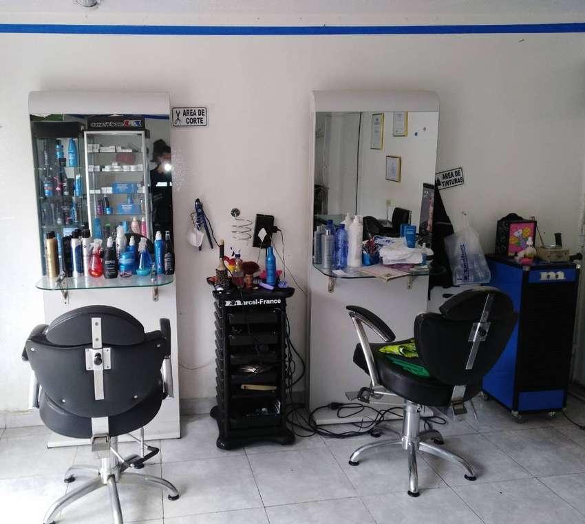 Muebles usados para peluqueria marca Marcel france 0