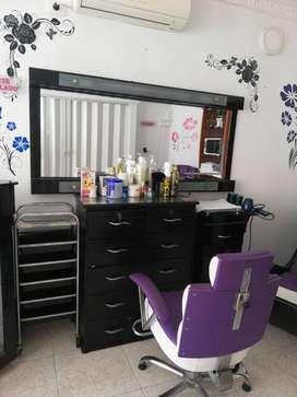 Equipo para sala de belleza bien cuidados