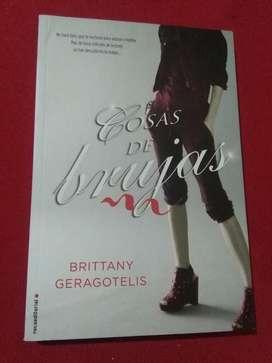Cosas de Brujas . Brittany Geragotelis . Libro novela 2013