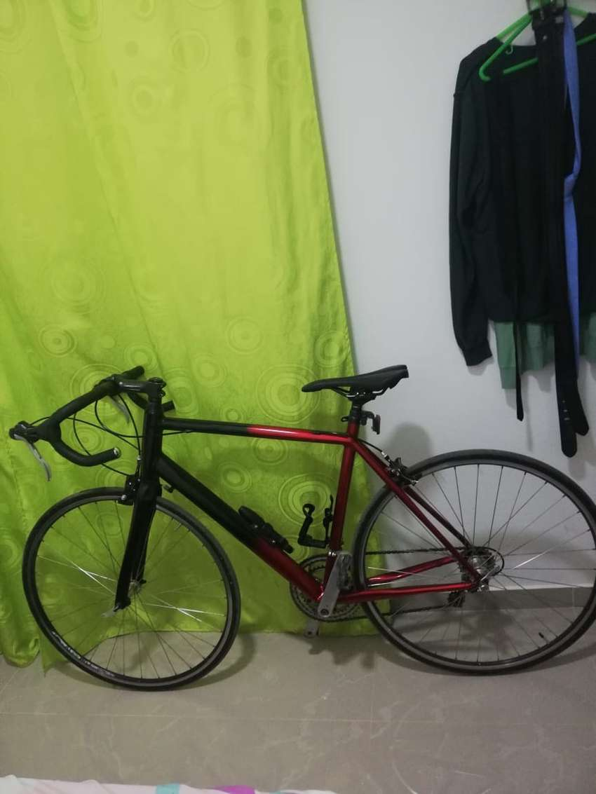 Bicicleta de ruta marca merida en aluminio 0