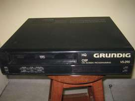 Videocassetera GRUNDIG modelo VS290