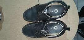 Zapatos de Uniforme talla 35 Liquido