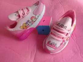 Lindos zapatos de niña