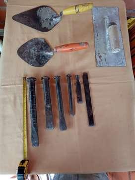 Herramientas de albañilería cinceles  y otras herramientas