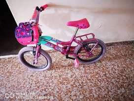 Bicicleta para niña en muy buen estado