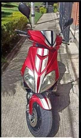 Vendo moto automática