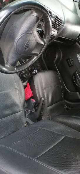 Se vende Kia picanto mornin modelo 2009.  Sin aire al día de todo
