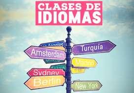 Tutor certificado con 3 años de experiencia en enseñanza de idiomas extranjeros y/o Español para extranjeros.