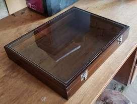 Vendo 3 cajas entomologicas, ideal para exhibir insectarios.