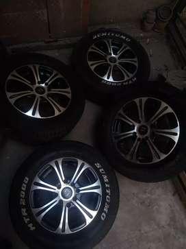 Vendo llantas 205hr13 Pirelli Aro 13