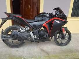 VENDO O CAMBIO HONDA CBR 250cc