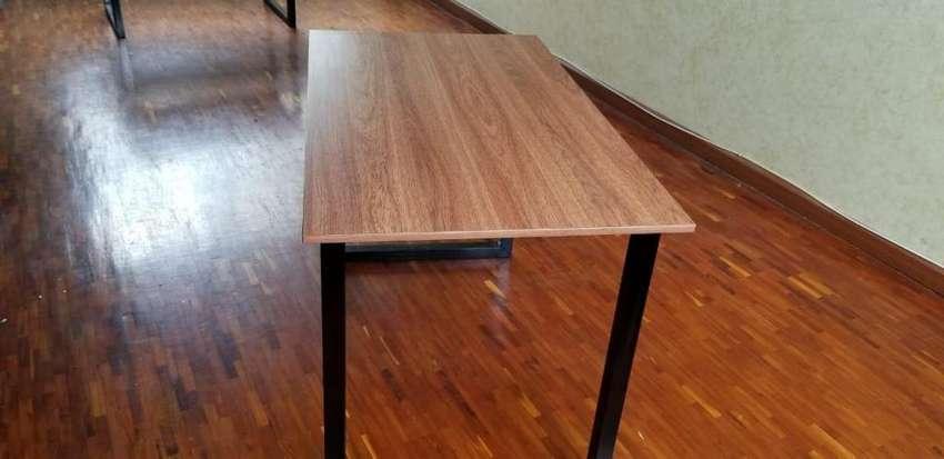 Mesas y sillas 0