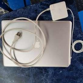 Vendo computador laptop apple