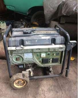 Generador a gasolina 2,4kw 110v 15 litros Modelo GG2800