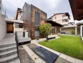 UNIÓN NACIONAL, Casa con Dos departamentos, 680 m2, venta, 6 hab.